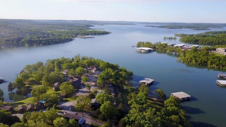 Wondrous Calm Water Resort Cozy Cabin Rentals Table Rock Lake Beutiful Home Inspiration Ommitmahrainfo